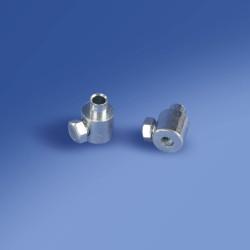 Zacisk z mechanizmem - śrubą regulującą mocujący stalowy drut